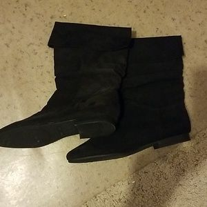 White Stag Shoes - Black White Stag Faux Suede Boots 8.5